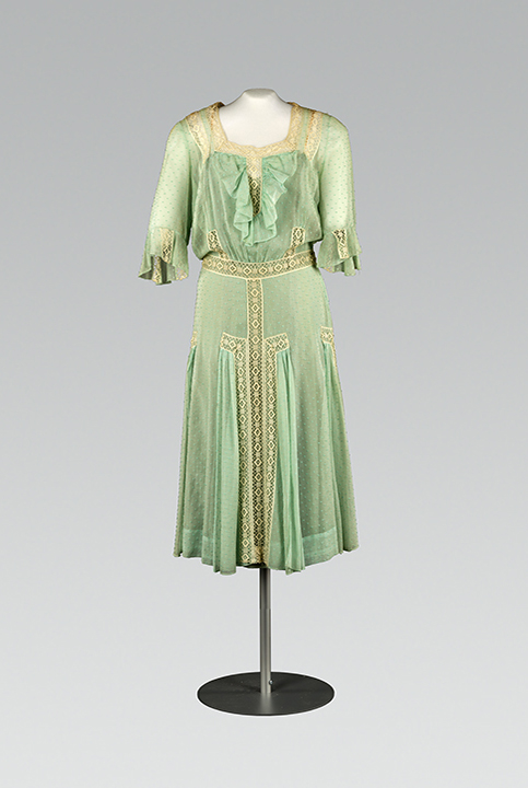 Tea dress. Designer unknown. c. 1930. Image Collection: Drexel Digital Museum. Object Collection: Fox Historic Costume Collection. 69.4.1 a.b. Gift of Mrs William H. Peace II.